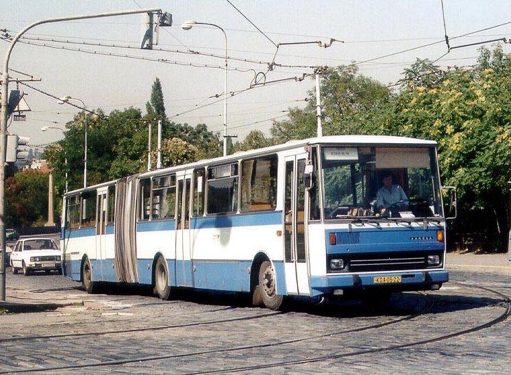 1985 Karosa C744