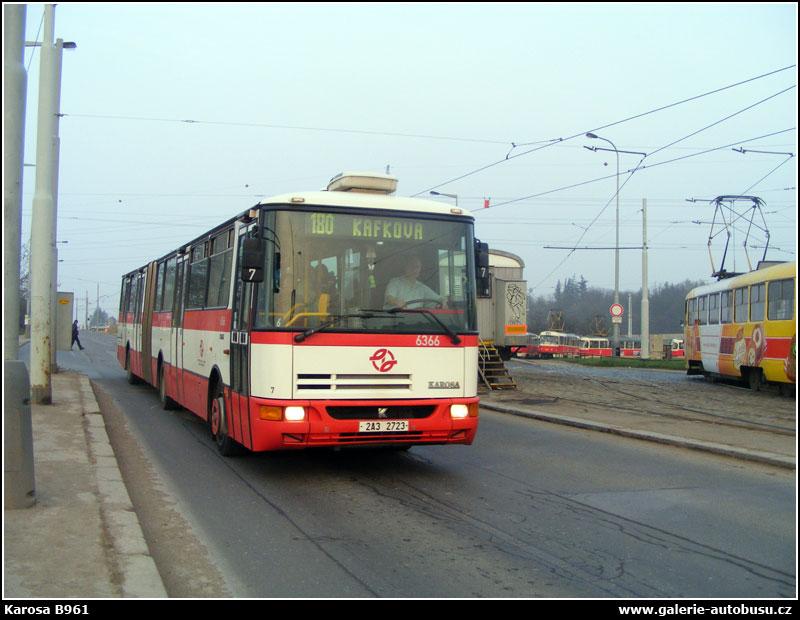 2009 Karosa B961