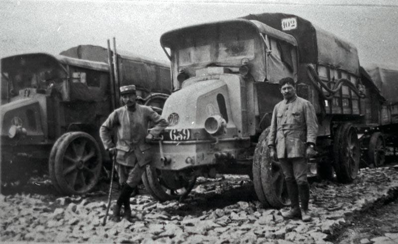 1914 Latil-TAR-18-soldats