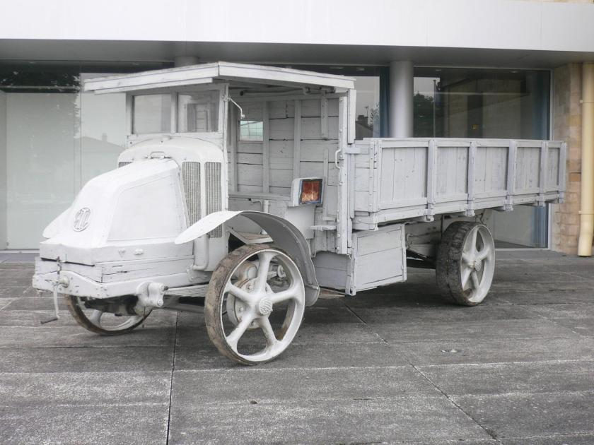 1920 camionLatil