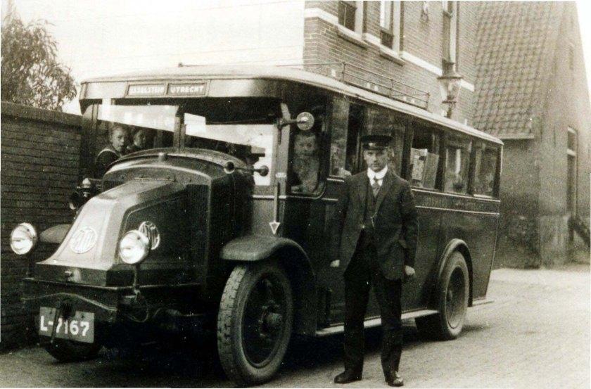 1925 Latil Wijngaard vd L-7167