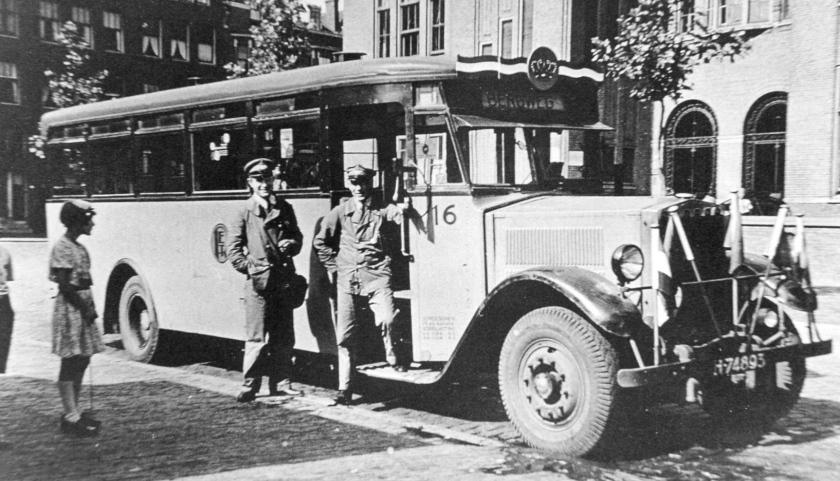 1929 2e serie Krupp-Werkspoor autobus, nummer 16, lijn H, Bospolderplein, Koninginnedag, 30 augustus 1929.