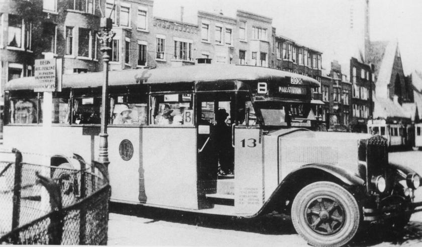 1929 Krupp bus 13, lijn B, Burgemeester Meineszplein