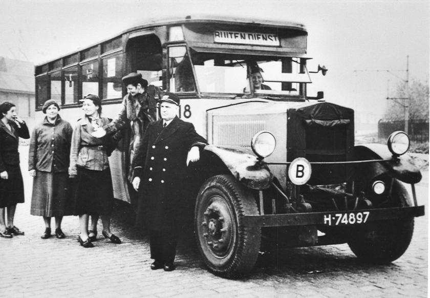 1929 Krupp bus 18, opbouw Werkspoor RET-ZW-002
