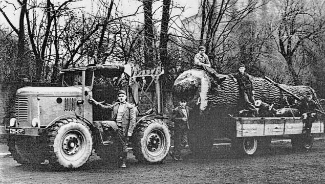 1935 Latil Baumstamm1ak