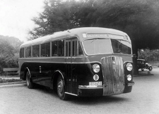 1937 T.E.T. bus 10 kent. E-18741 Kromhout TB4L carr. Den Oudsten en Domburg. Fabrieksfoto nieuw