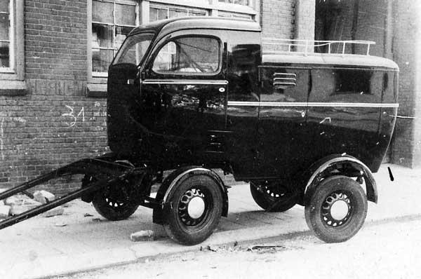 1945 Een hele luxe paarden- Kusters bakkerswagen