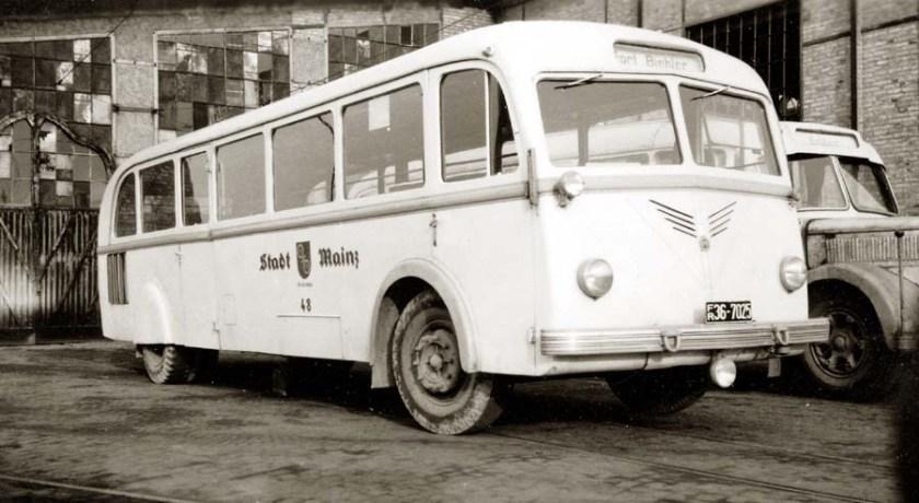 1947 Krauss-Maffei KMO 130 mit Rathgeber-Aufbau .