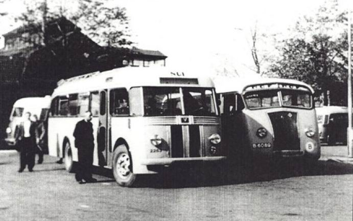 1947 Scania Vabis B15V B-2347 Brouwers Holwerd Rechts