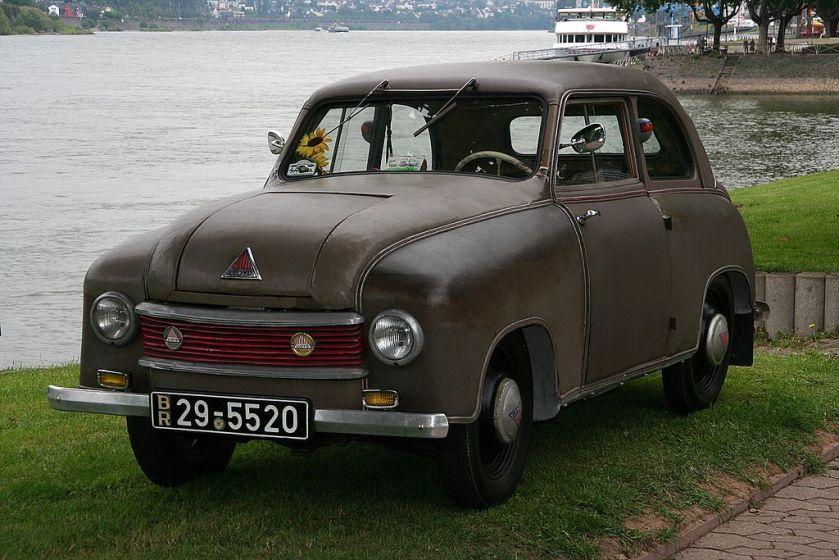 1950-1953 Lloyd LP300, bijgenaamd Leukoplast Bomber