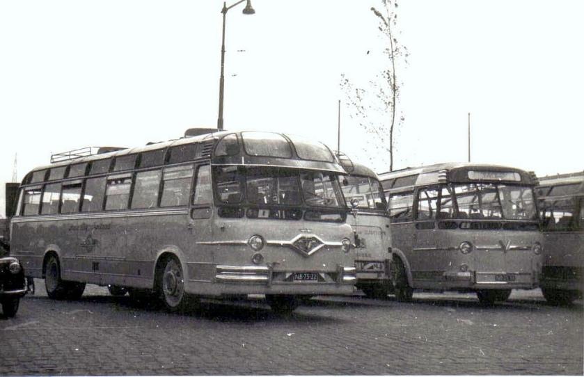 1953 Leyland Tiger carr. Den Oudsten NB-75-22