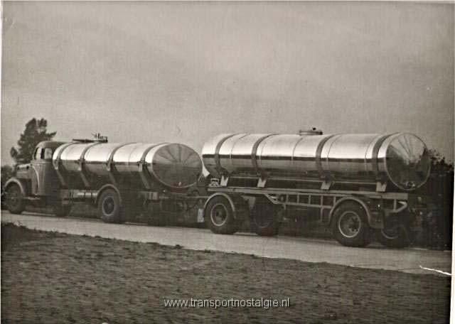 1954 Kromhout tank combi Bugler