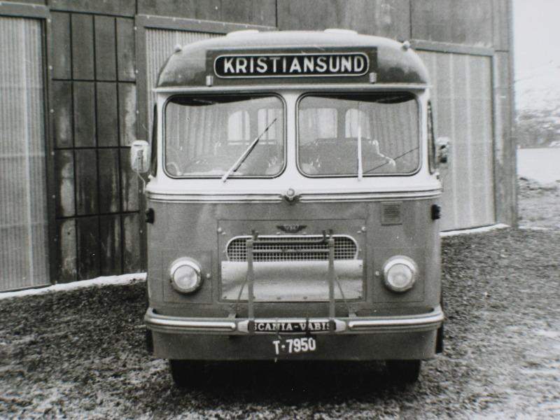 1954 Scania-Vabis B62 mod, opprinnelig levert med Fjeldhus-karosseri og 38 sitteplasser
