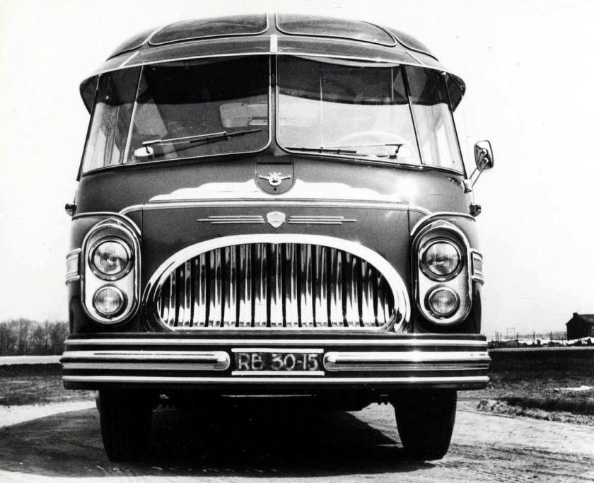 1956 DAF touringcar met Konig opbouw