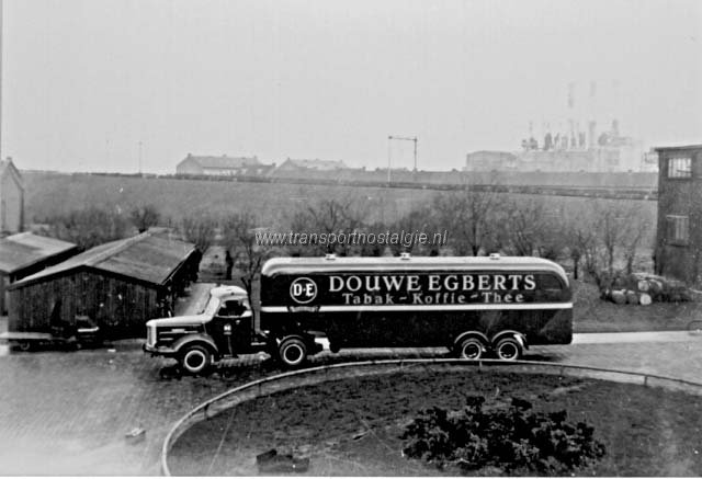 1956 Kromhout Douwe Egberts