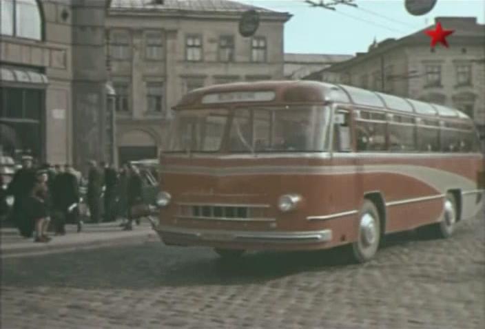 1956 LAZ 695 in Kolesa strany Sovetov