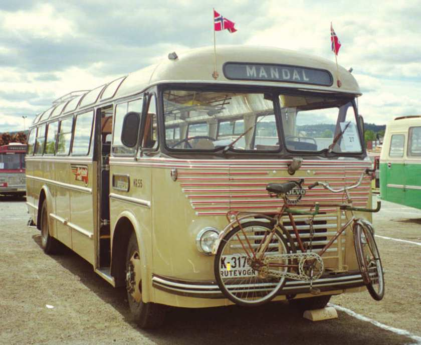 1957 K-3174 is a Volvo B725-05 with Knudsen 36-seat coachwork