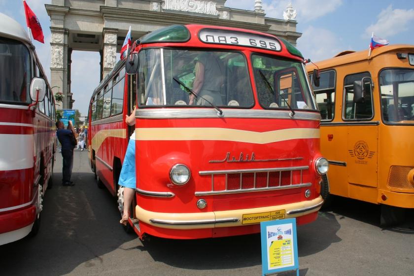 1957 LAZ-695 Moskou