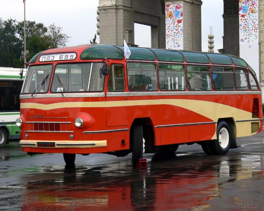1957 laz-695n-03