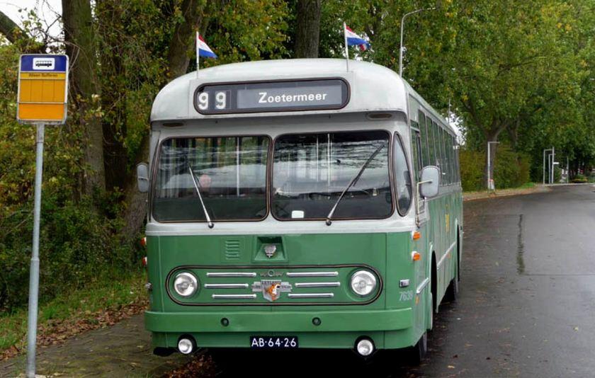 1958 Leyland LO - Den Oudsten 7639 van het HBM
