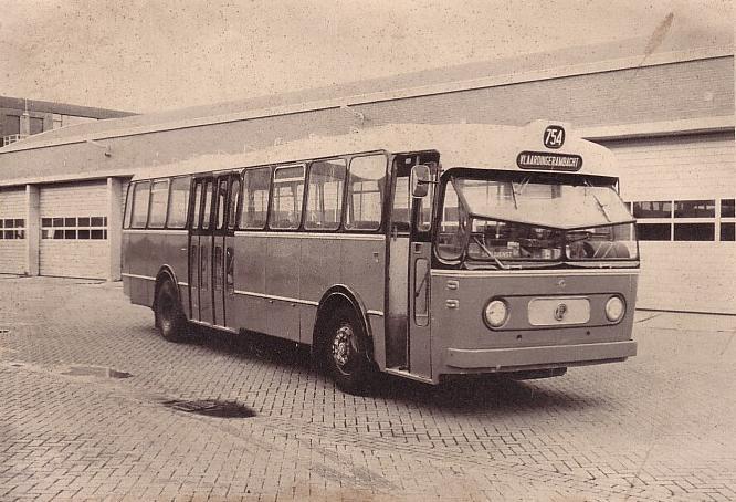 1961 Kromhout-Verheul VB10 RET 754 voor de stallingsdeuren