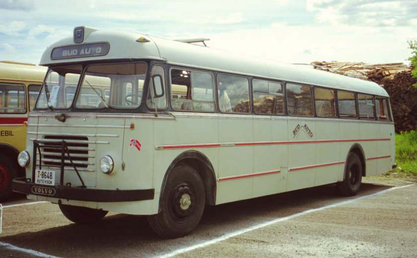 1961 T-8648 is a 1961 Volvo B615-97 with a Knudsen 41-seat bus body.