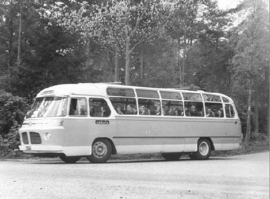 1963 Toerwagen 9. Scania-Vabis met carrosserie van Hondebrink. Met het kenteken SB-61-79.