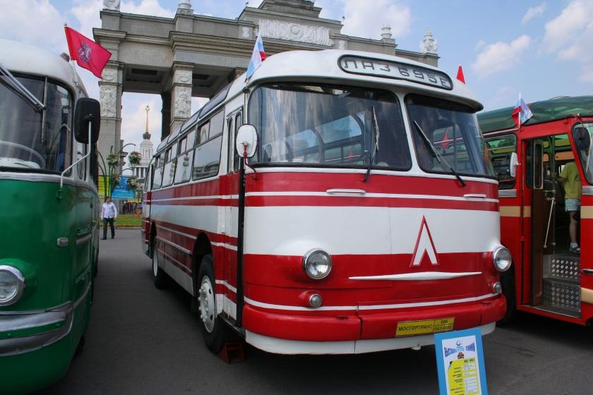 1964 LAZ-695 Moskou