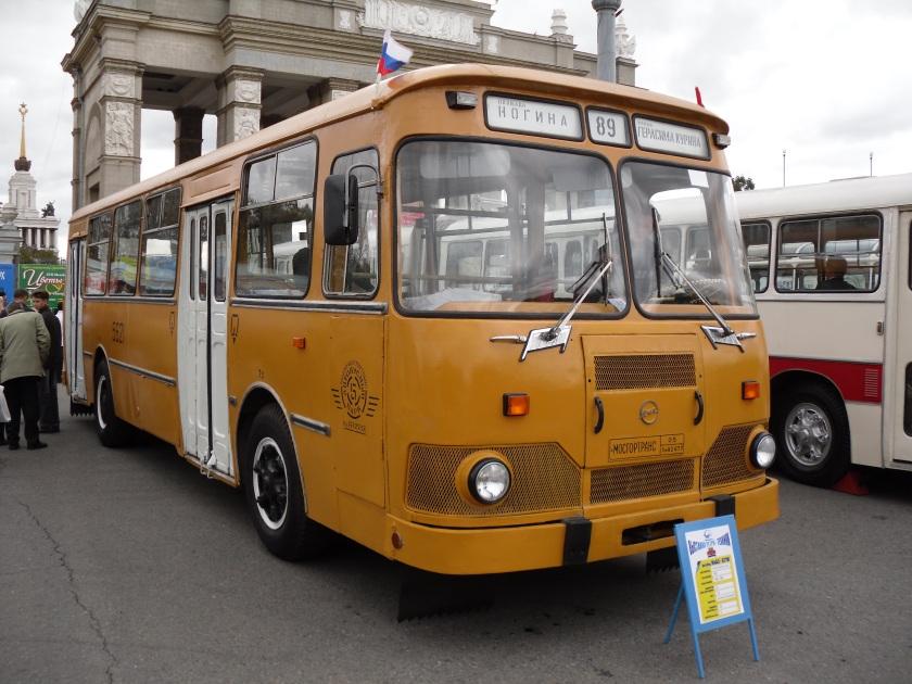 1965 LiAZ 677M Moskou