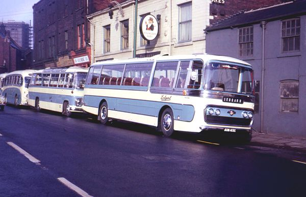 1965 photo Leyland PSU3-3RT Leopards with Plaxton Panorama C51F bodies lgaum413c