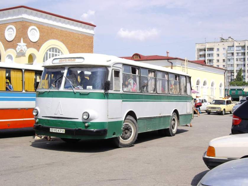 1969-74 LAZ-695M