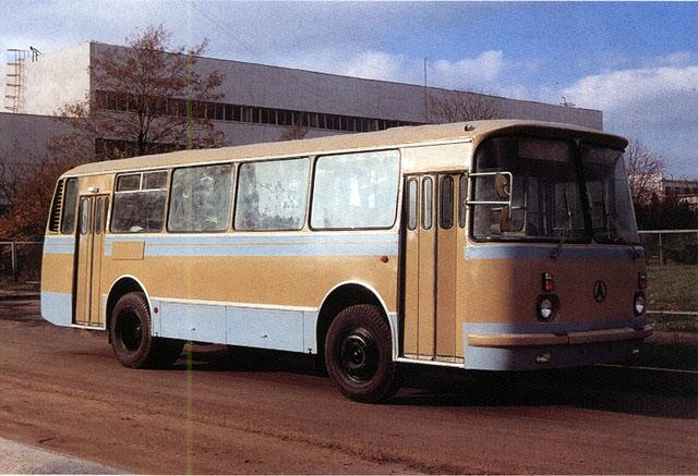 1969 laz-695-04