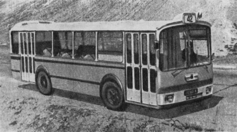 1976 LAZ 698 24