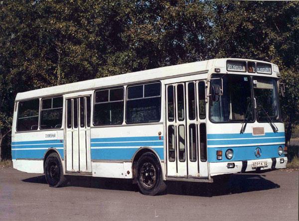 1978-83 LAZ 4202 3