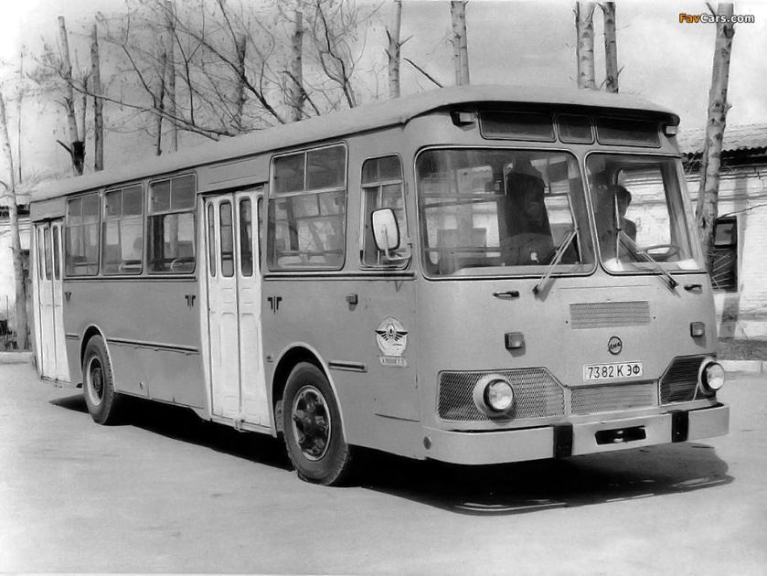 1986 LiAZ 677 1986–2000