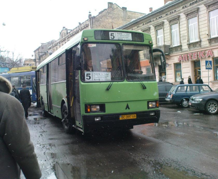 1992-06 LAZ 5252 2
