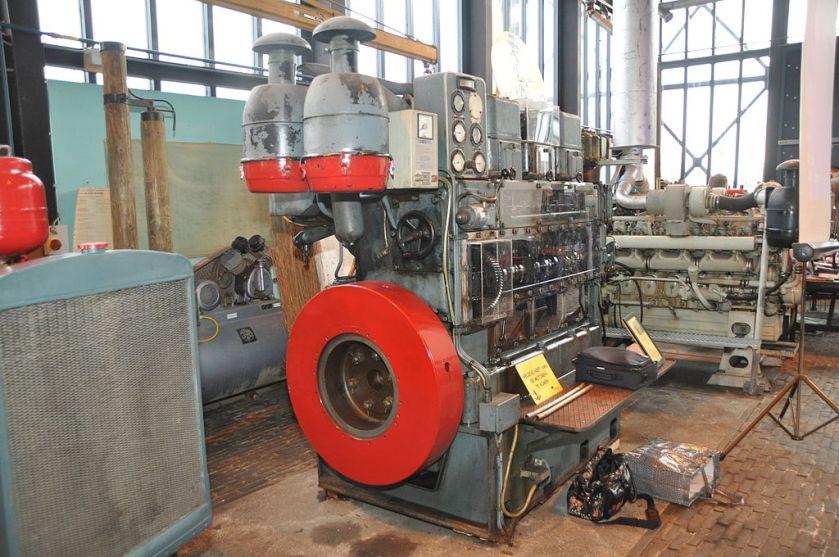Kromhout-scheepsmotor (ships engine)
