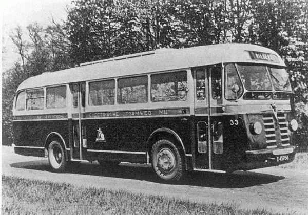 Scania-Vabis nr. 33 met carrosserie van Verheul  met 31 zit en 16 staanplaatsen  uit een serie van 3 stuks  de 31-33