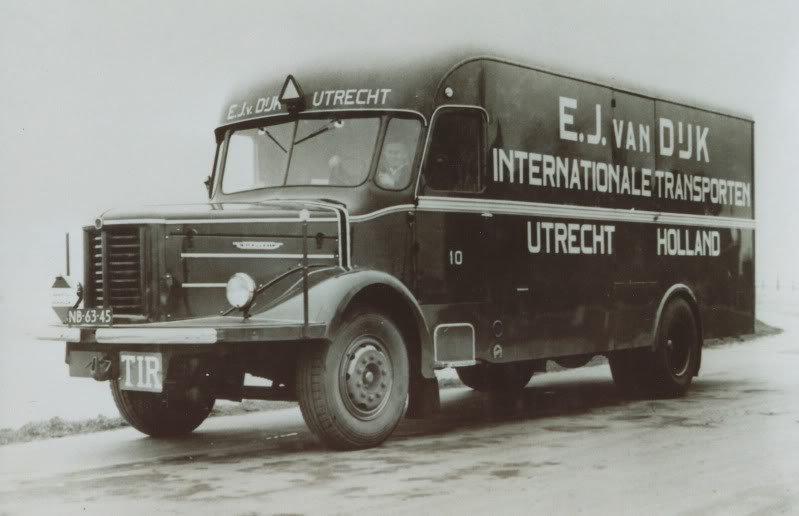 Trucks KROMHOUT des transports E.J. VAN DUK d' Utrecht Hollande dans les années 50