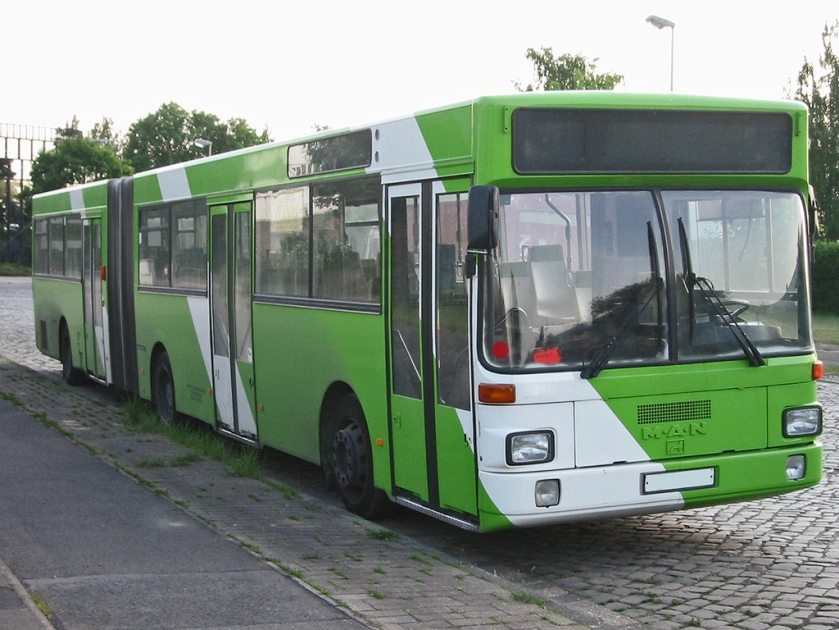 102 Standard-Gelenkbus MAN SG 242 ehemaliges Fahrzeug der ÜSTRA Hannover