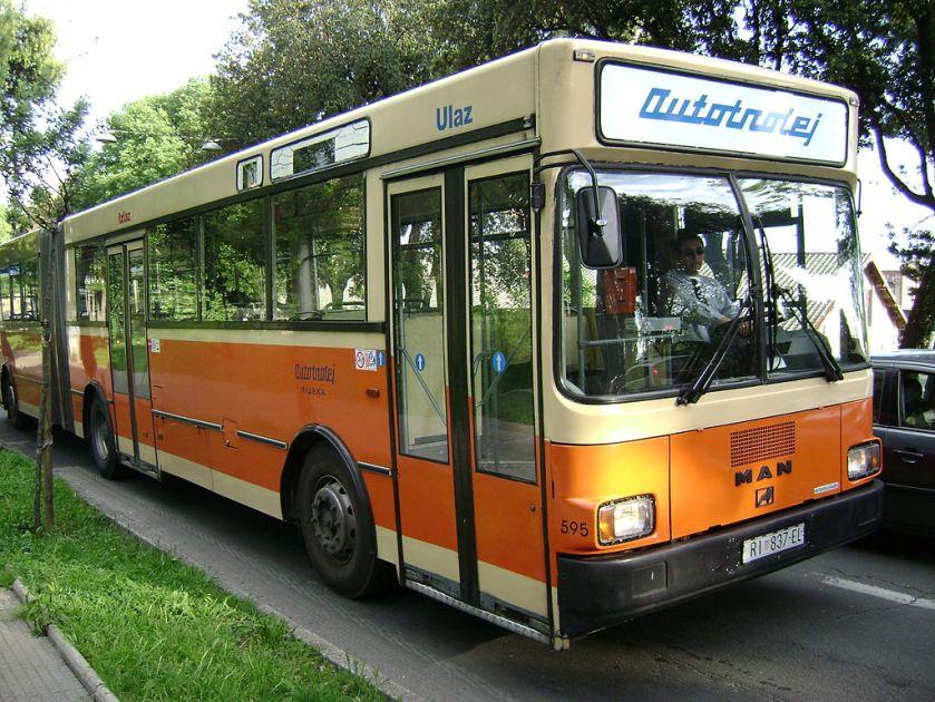 106 Gelenkbus MAN SG 240 in Rijeka (Kroatien)