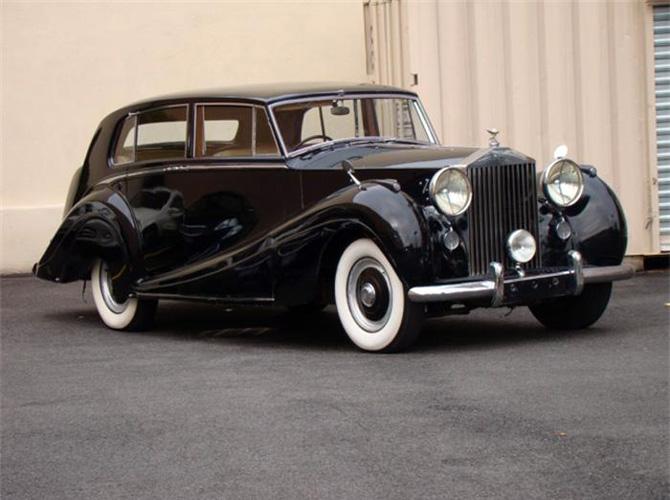 11 HJ_Mulliner_Rolls-Royce_Silver_Wraith_Touring_Limousine_1953_01