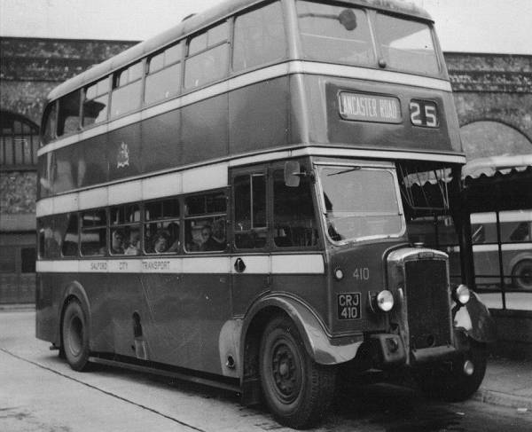 11950 Daimler CVG6D with Metro-Cammell H28-26R body