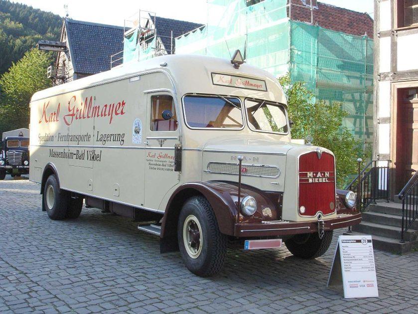 12 MAN F8 Möbelwagen
