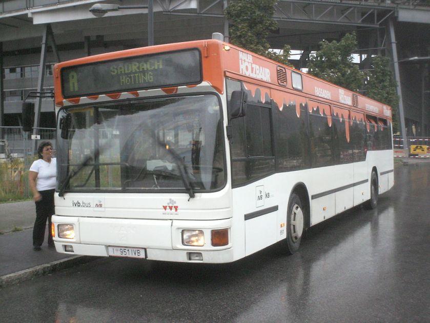 120 Wagen 951, ein MAN NL 202(2) der Innsbrucker Verkehrsbetriebe