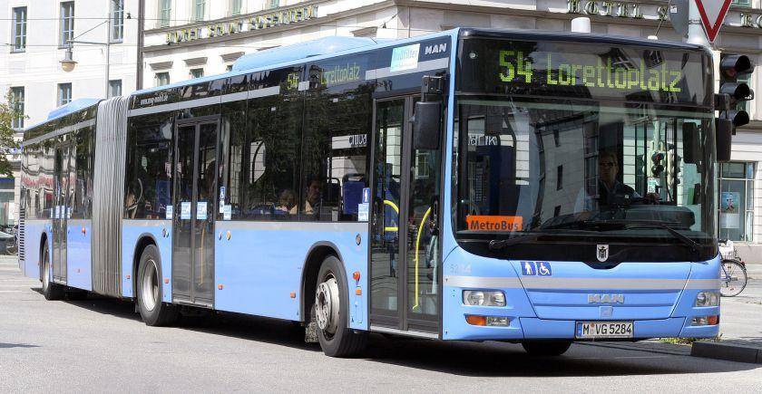 143 2007 MVG 5284 am Bahnhof München Ost