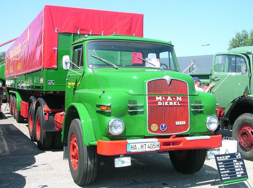 16 MAN 15215 Sattelzugmaschine Kurzhauber 3achsig