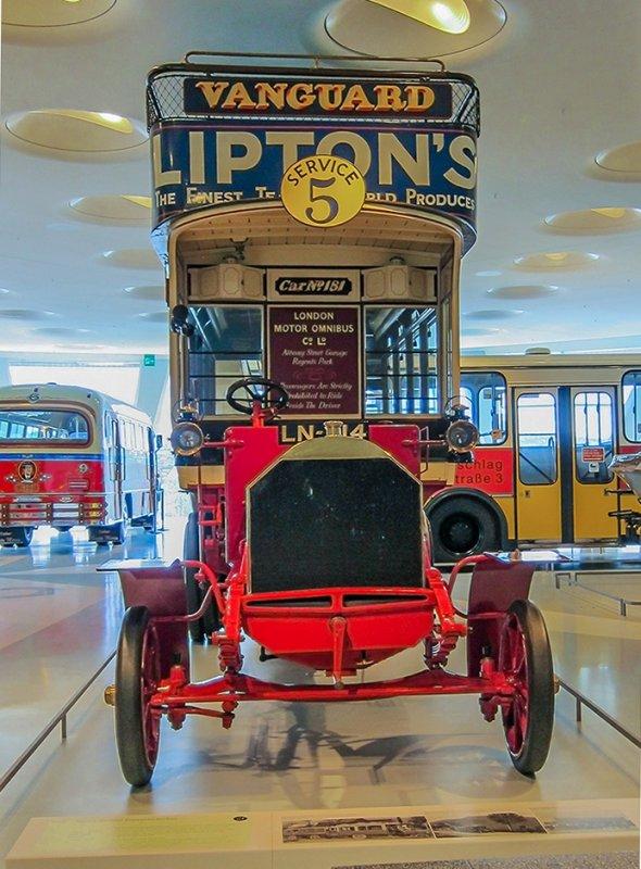 1907 Milnes-Daimler Double-Decker Bus front
