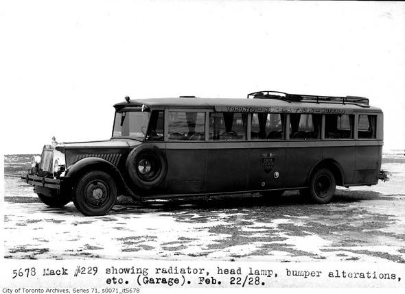 1928 mack-bus-229