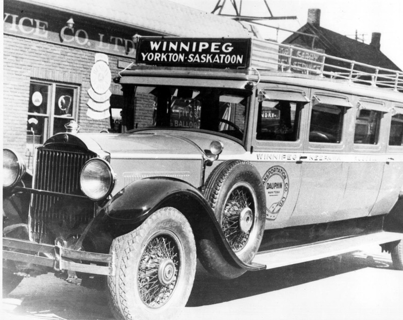 1933 The Fort Garry Motor Body and Paint Works built their first bus in 1933 11 pass on packard chassis